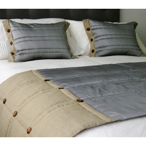 Coco Button bed runner - Silver