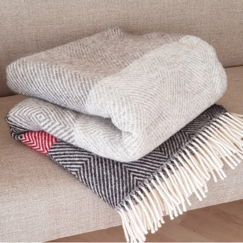 Herringbone & Diamond Throw - stripes
