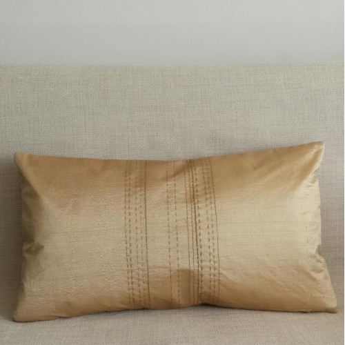 Running Stitch - rectangular - cushion - gold