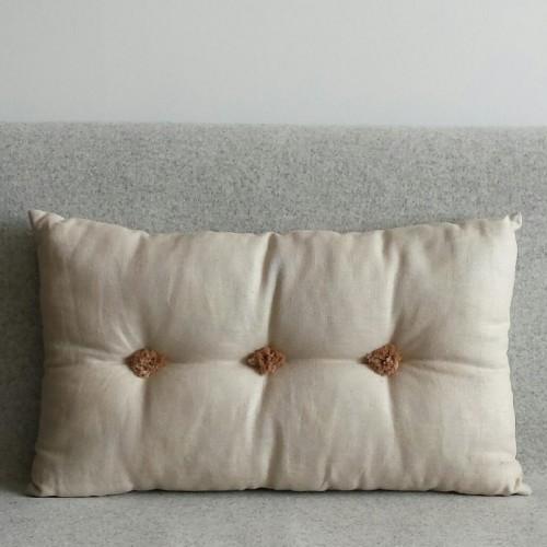 Tufted Cushion - rectangular - Linen